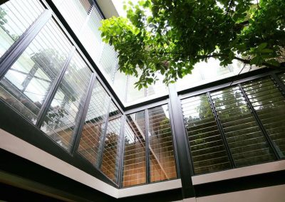 Breezway_louvres_seal_tight_to_offer_protection_from_the_elements