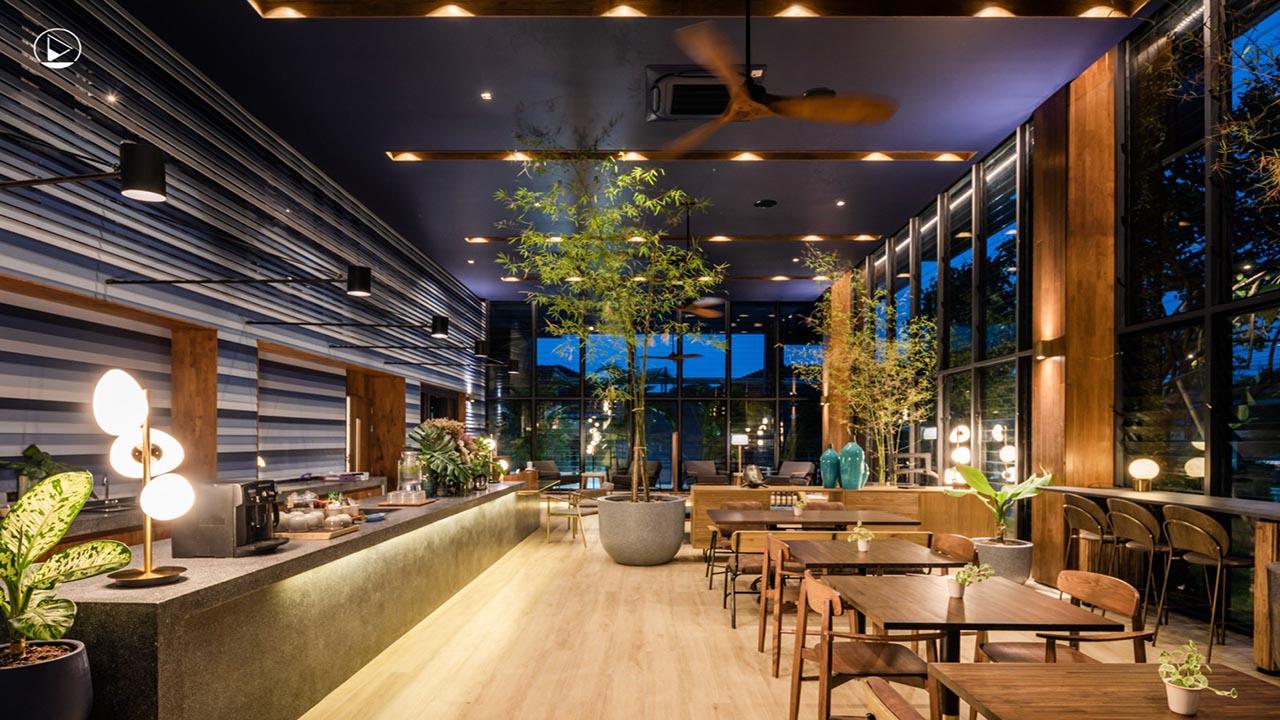Restaurant inside Seamira House